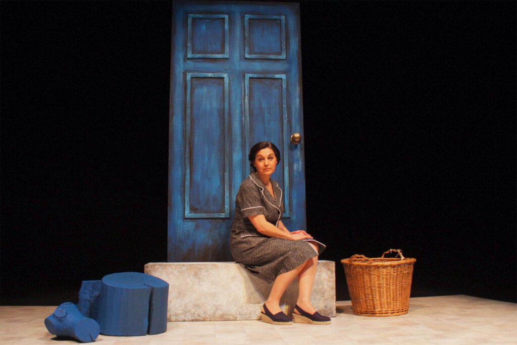 Pilar Massa interpretando El Notario